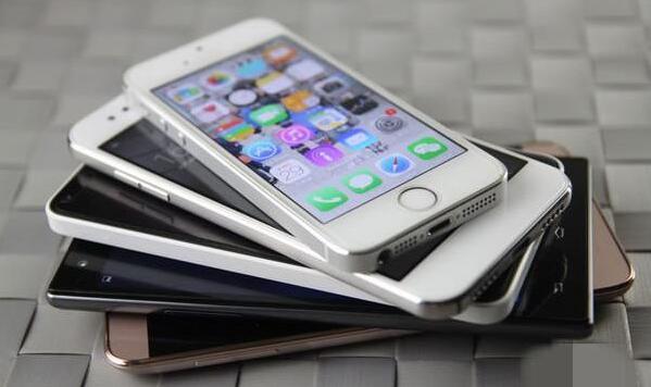 淘汰了的手机.jpg