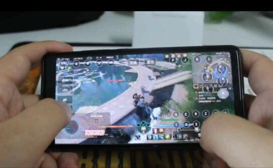 手机玩剑网3操作.jpg