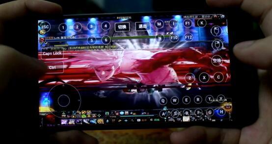 手机玩DNF.jpg