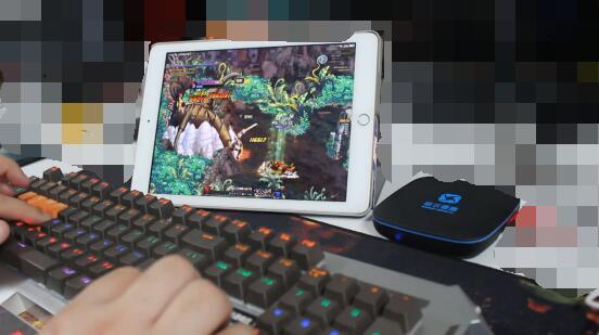 键鼠转换器连接苹果平板玩.jpg